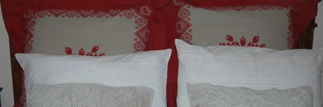 red pillows big